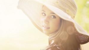Ekologiskt smink i sommar för en solkysst look